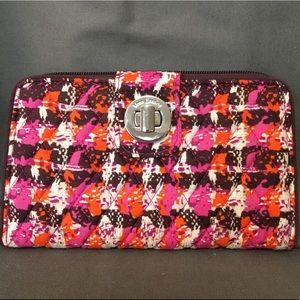 Vera Bradley Turnlock Wallet - Houndstooth Tweed